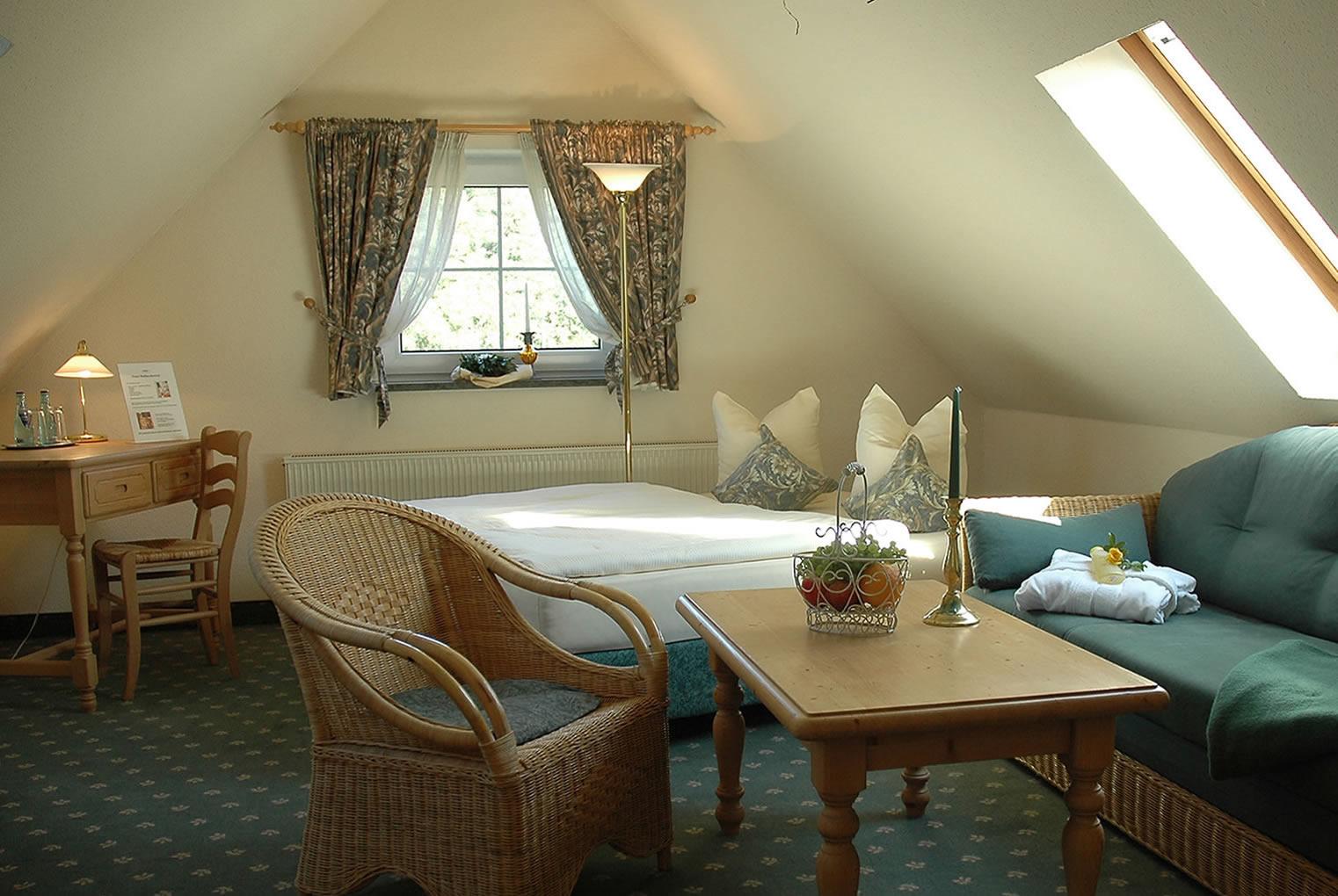 wellnesshotel appartementhotel mit fr hst ck in dresden nahe mei en radebeul. Black Bedroom Furniture Sets. Home Design Ideas