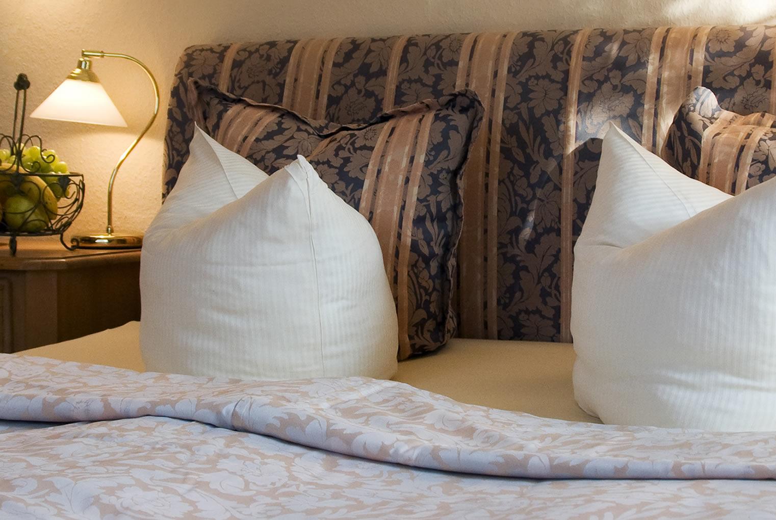 hotelzimmer freie zimmer in dresden im appartementhotel preiswert zimmer buchen mei en. Black Bedroom Furniture Sets. Home Design Ideas